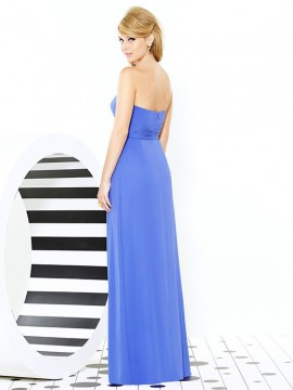 Dessy style 6713, Bridesmaid dress with sweetheart neckline and pleat detail at empire waist