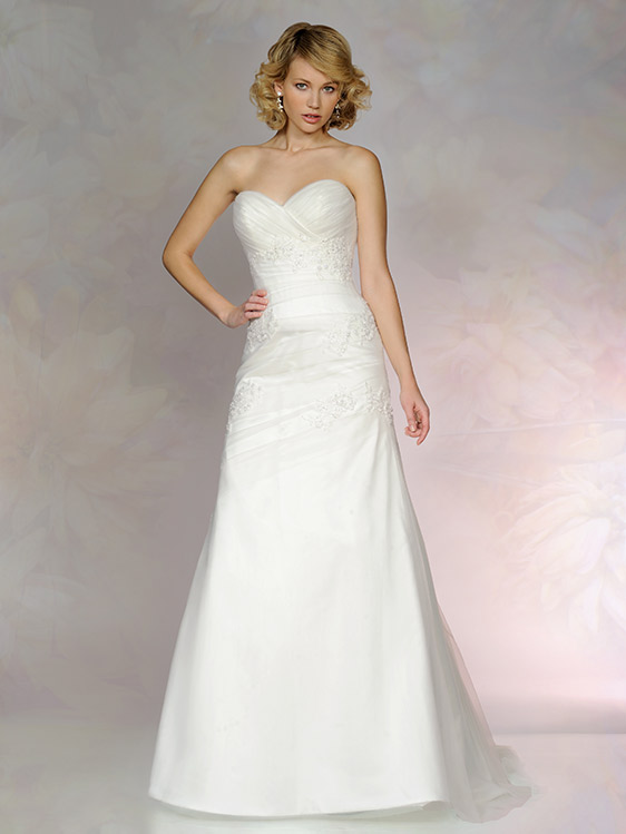 Tia 5562, Wedding Dress. To have and To Hold Mirfield.