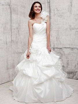 Benjamin Roberts 2362 Ivory WAS £1137, NOW £395 Size 12-14
