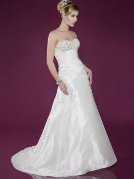 Benjamin Roberts 2411 Ivory WAS £945, NOW £395 Size 10-12