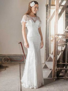 Benjamin Roberts 2620 Ivory WAS £855, NOW £425 Size 12-14